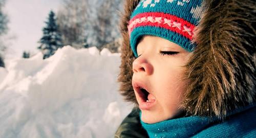 В що одягнути дитину зимою