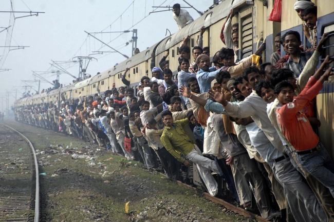 Місцеві поїзди в Мумбаї, Індія