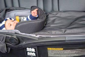 Люлька в автомобілі